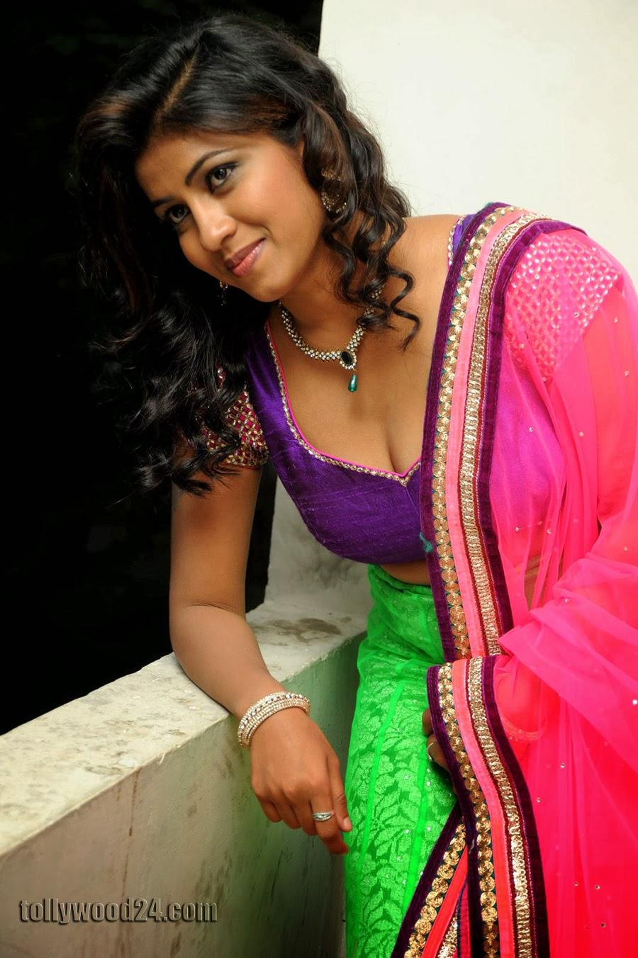 Geethanjali hot pics at Oka Roju Em Jarigindi-HQ-Photo-1