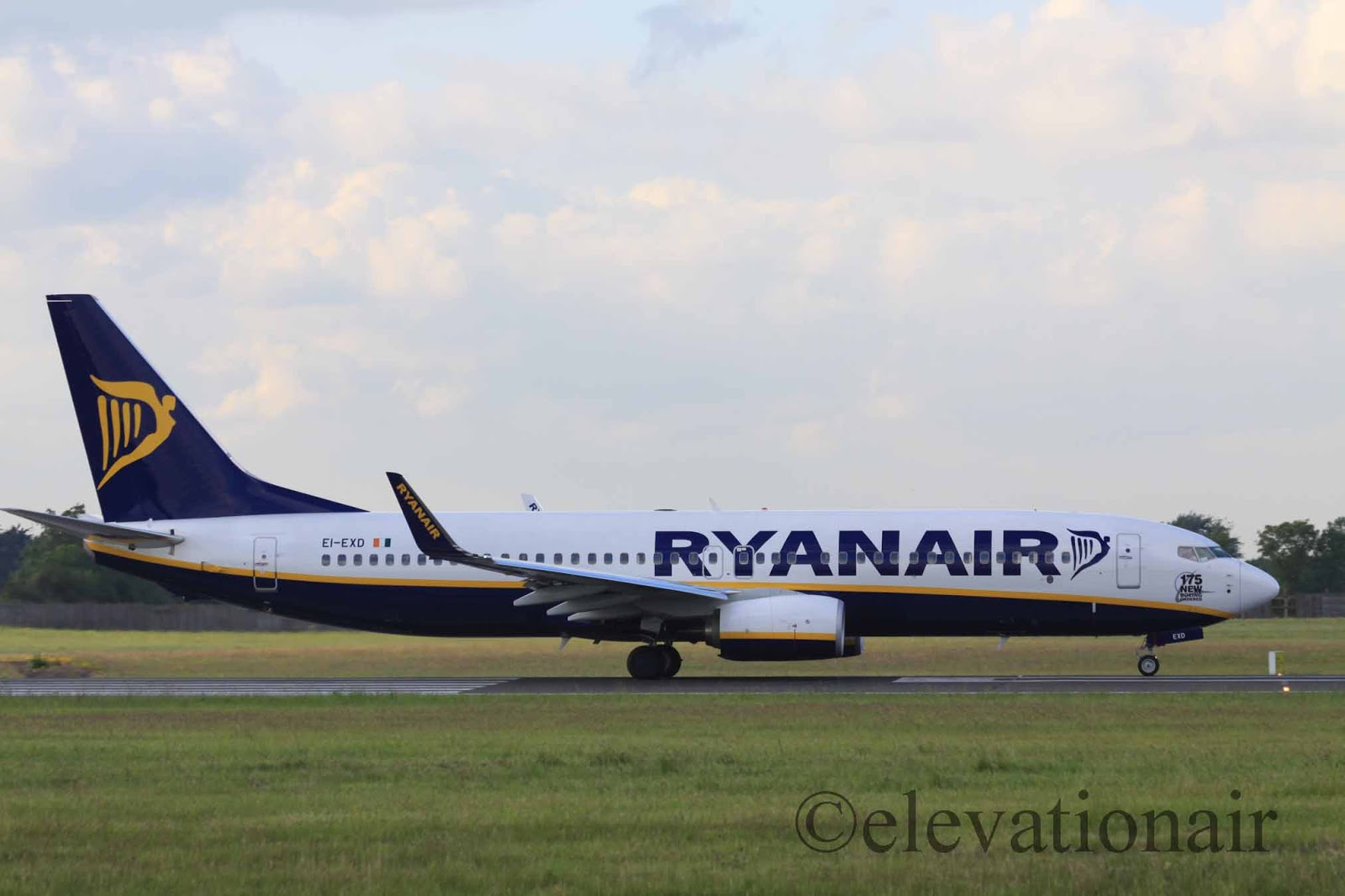 Pic my etihad pearl business class seat 9h on b777 300er may 2012 - Ryanair Reinstates Doncaster To Tenerife South Route