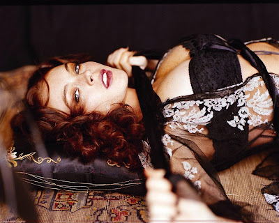 lindsay_lohan_hollywood_actress_hot_wallpaper_03_fun_hungama_forsweetangels.blogspot.com