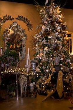 Fun Plannet Gold Christmas Tree Decorating Ideas