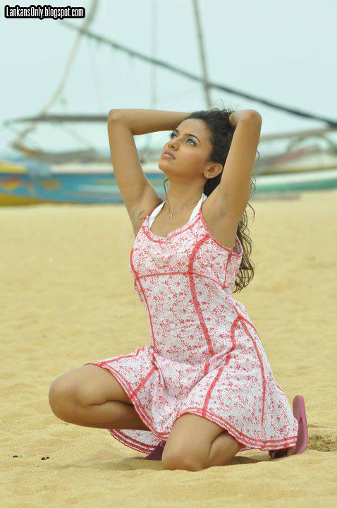 SL Hot Actress Pics: Udari Old - 104.3KB