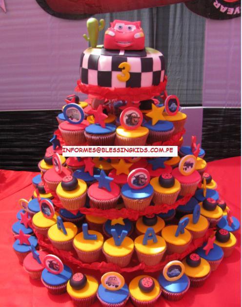 TORTAS CON CUPCAKES . Fotos con las más lindas tortas de cumpleaños