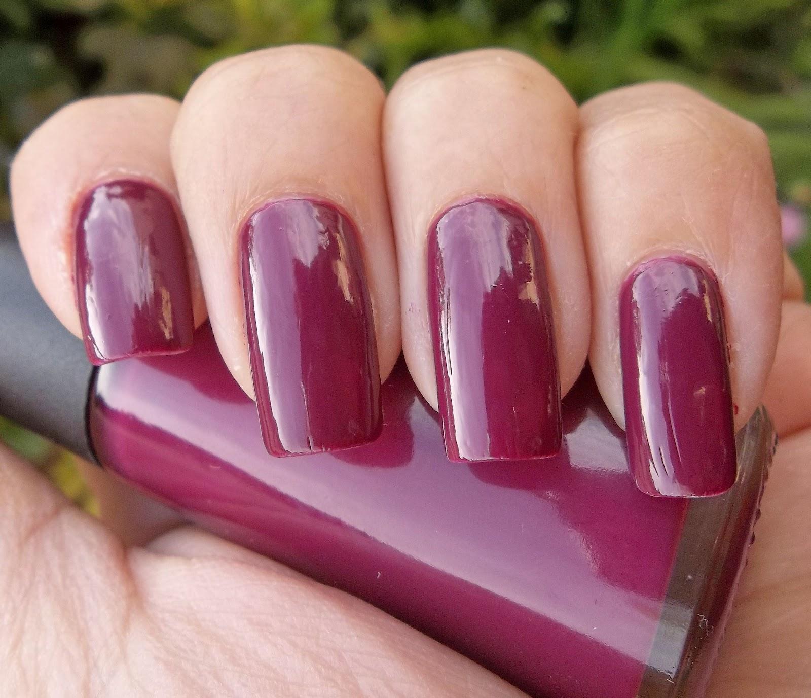miss phibes.: Avon Color Trend Seducción + experimento con sombra dorada