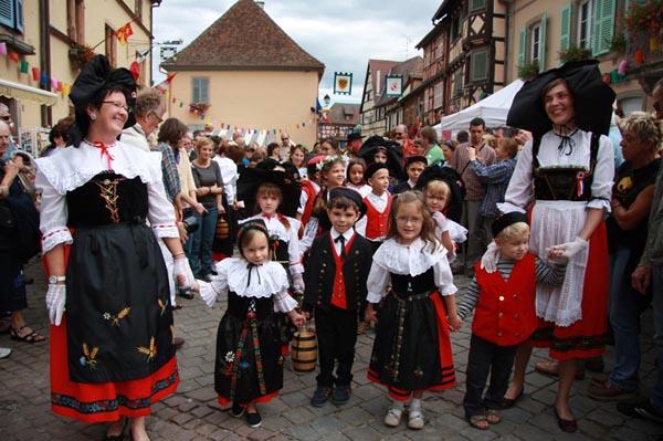 L 39 actualit d 39 eguisheim environs par l 39 quipe de l 39 office de tourisme la 51e f te des - Office du tourisme eguisheim ...