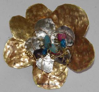 Από τα μαθήματα κοσμήματα με μέταλλο