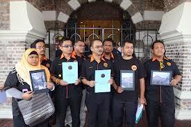 MEMORANDUM KEPADA RAIS YATIM ISU RUMAH ROBENGAH DI BANJANEGARA,INDONESIA