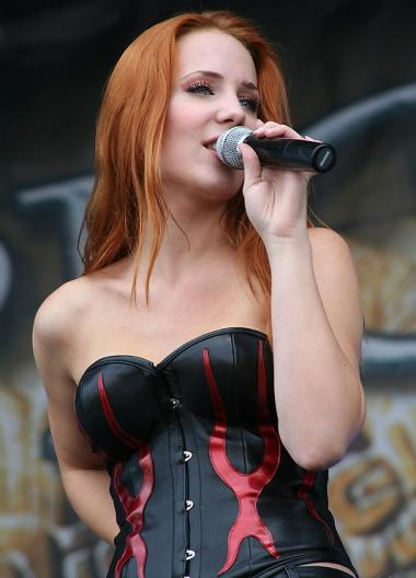 simone simons ladies sexy - photo #15