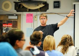 Image of Paul Andersen teaching a class