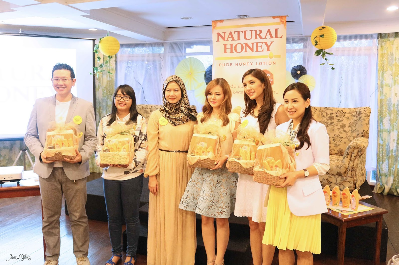 beauty trip, jean milka, natural honey, honey, indonesian, blogger
