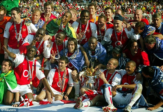 ARSENAL JUARA EPL 2013, THE INVINCIBLE 2003-2004