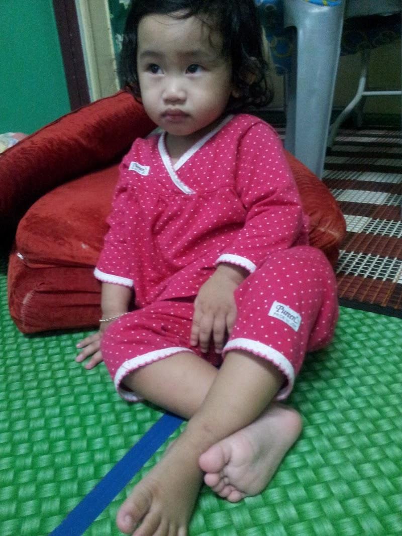Posing Maut Alia Menonton TV