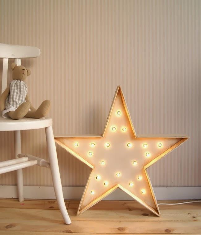 decoracion bodas letras y figuras con luces el sofá amarillo