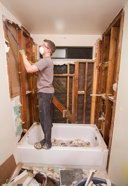 Swingncocoa Bathroom Remodel Part 1 Smash It With A Hammer