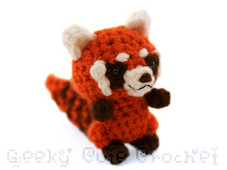 red panda amigurumi