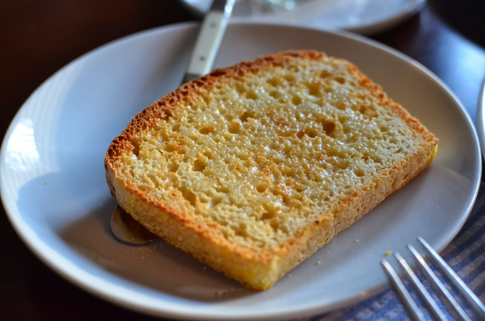Playing with Flour: English muffin loaf bread (it's so easy!)