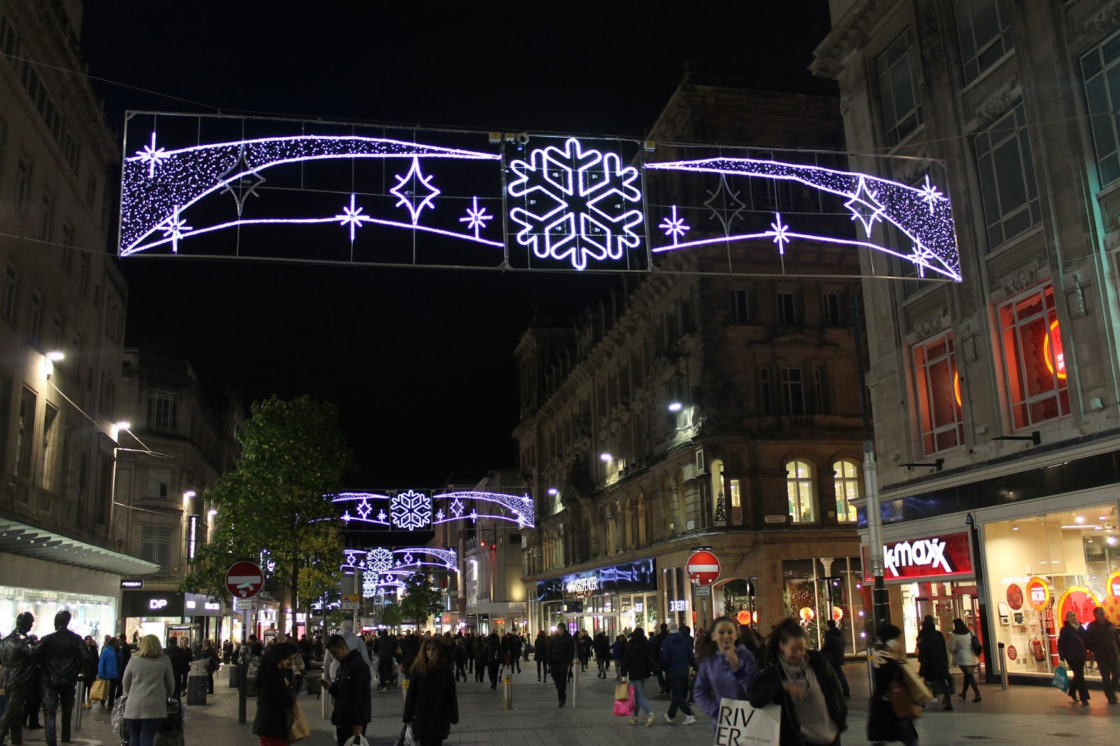 Pull Yourself Together: Liverpool ONE Christmas lights switch on