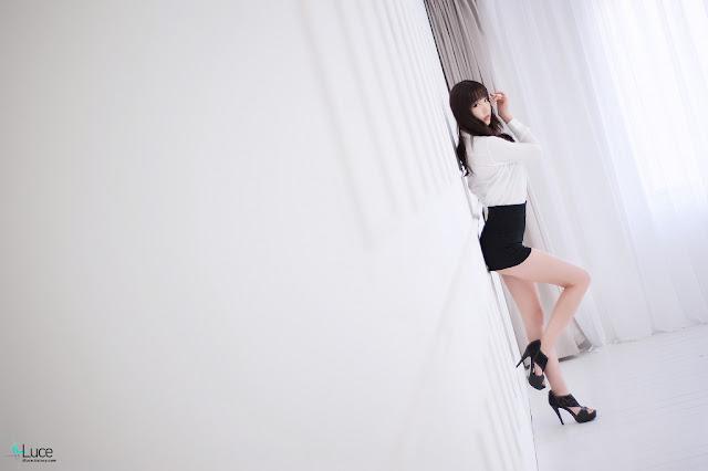 Hong Ji Yeon Sexy in Black and White