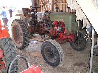 Колесный трактор ХТЗ ДТ-20