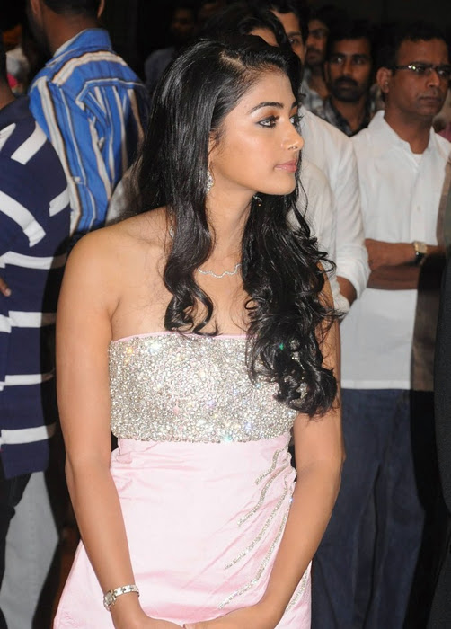 Pooja Hegde pics
