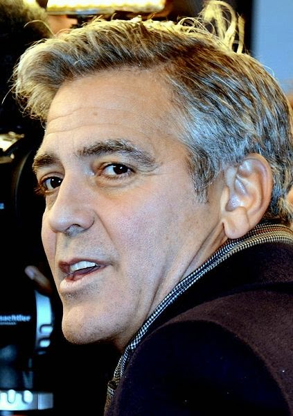 George Clooney in Paris auf der Monuments Men Filmpremiere