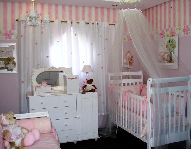 setor de decoração de quarto de bebê com inúmeras opções e