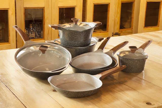 The brand new Chefology Marble Ceramic Cookware Range is currently sold exclusively at 11street (www.11street.my).
