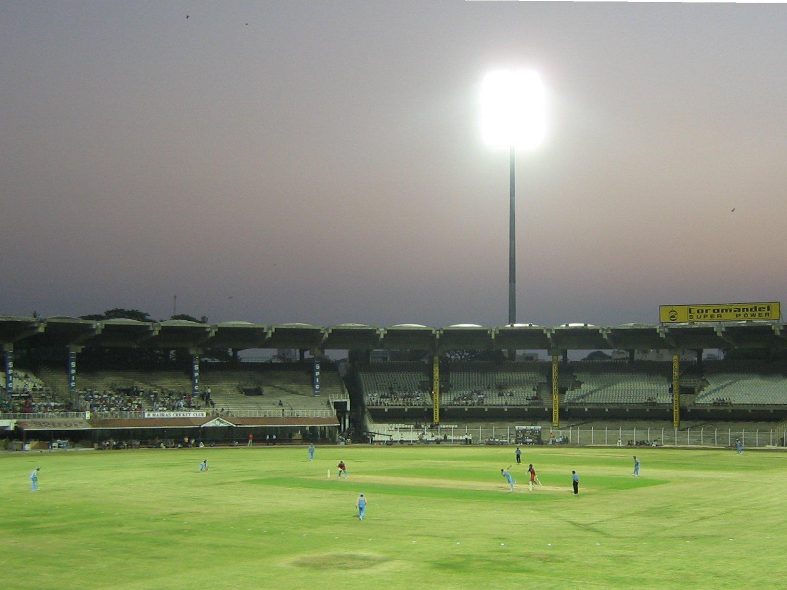 http://3.bp.blogspot.com/-dwbzZ8V07wQ/TYCeAI4McHI/AAAAAAAACg0/uIXpdmLWBHA/s1600/Chidambaram_Stadium_Chennai_wallpaper.jpg