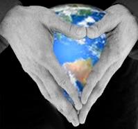 http://3.bp.blogspot.com/-dx5UBCNvUXY/T-ZvQTglbrI/AAAAAAAAA_4/RAhOqF3svU8/s1600/Michael+Jackson+hands+Earth+heart+love.jpg