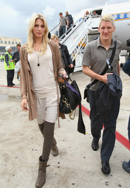 رونالدو همسرش در  Bastian Schweinsteiger Photos,Biography and Profile ...