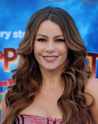 Sofia Vergara Long Wavy Cut Hairstyle Photo