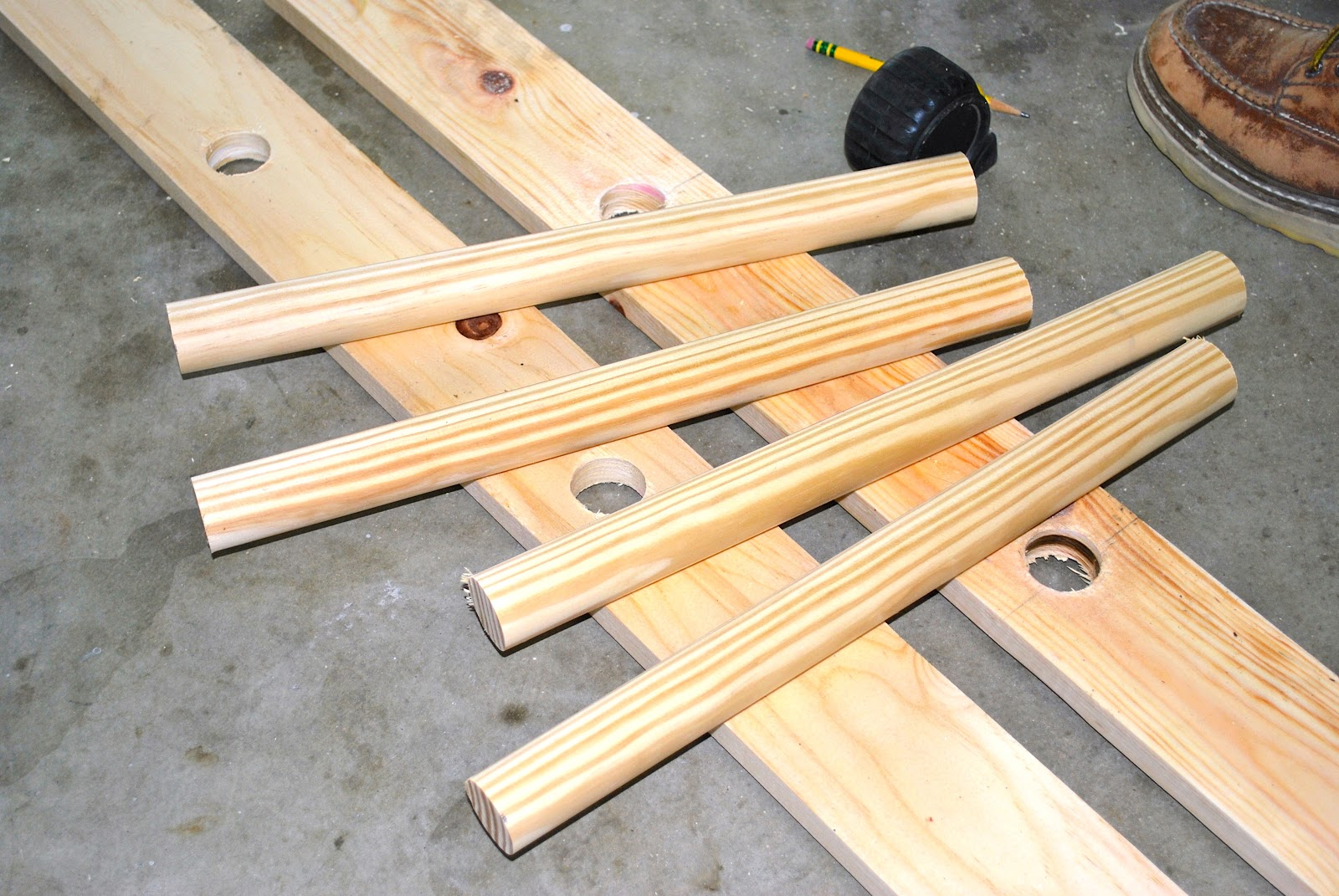 how to build a wood folding ladder