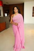 Singer Sunitha dazzling saree photos-thumbnail-8