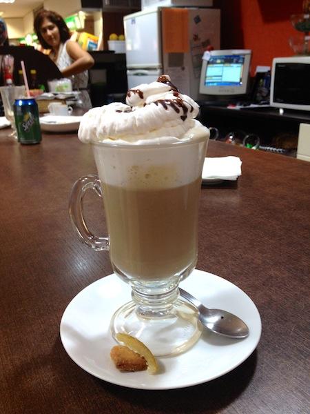 CAPPUCCINO DO CAFÉ DA LIVRARIA LEITURA