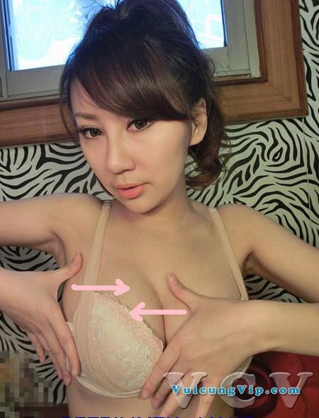 Hot Girl ngực khủng hướng dẫn chăm sóc ngực