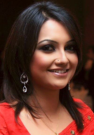 Bangladeshi Hot Model Nowshin Nahrin Mou