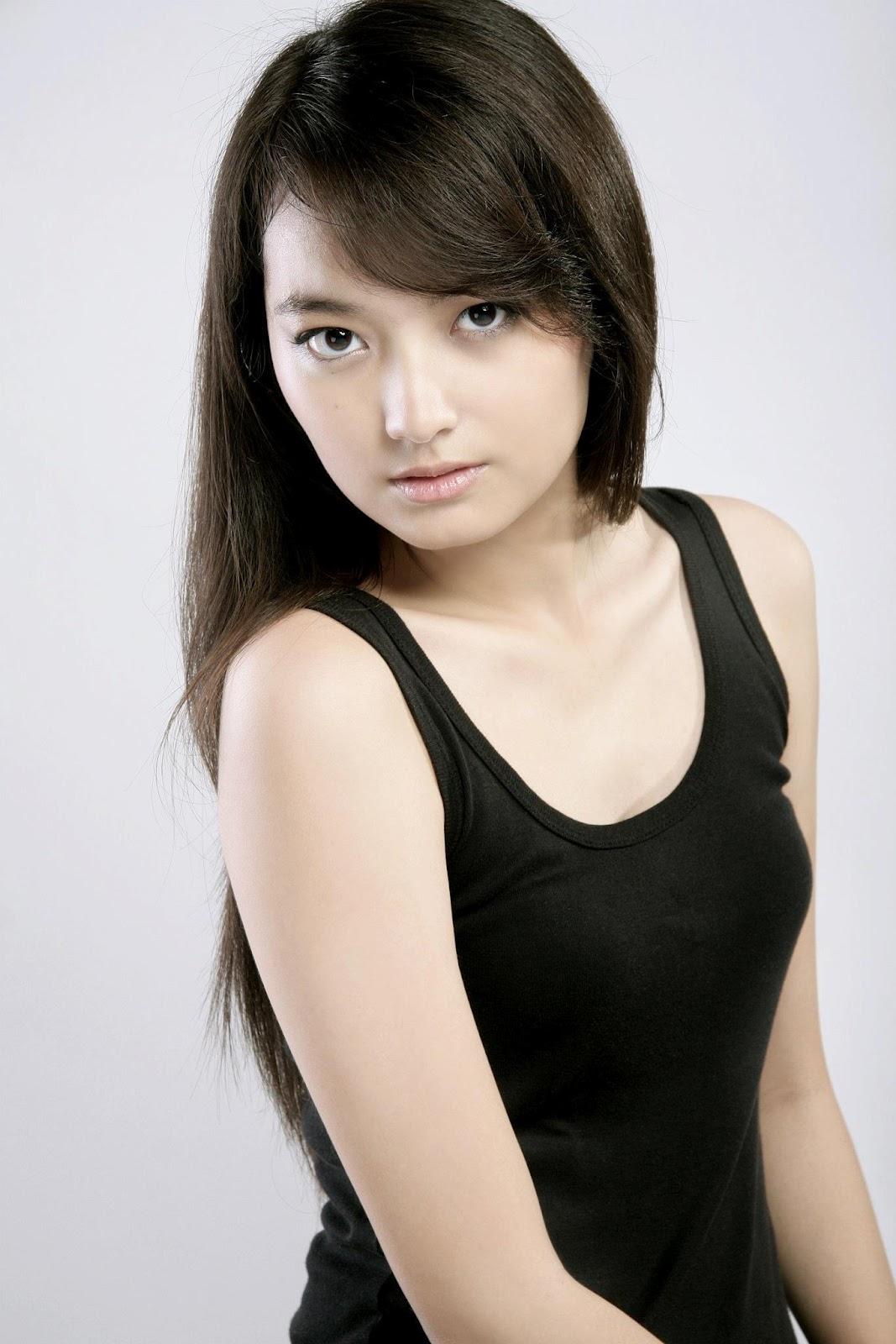 Sheila - Indonesian Cute Model