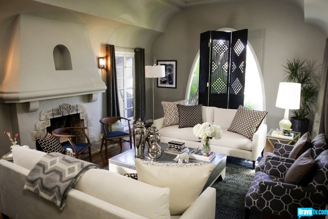 The essence of home interior therapy with jeff lewis for Jeff lewis living room designs