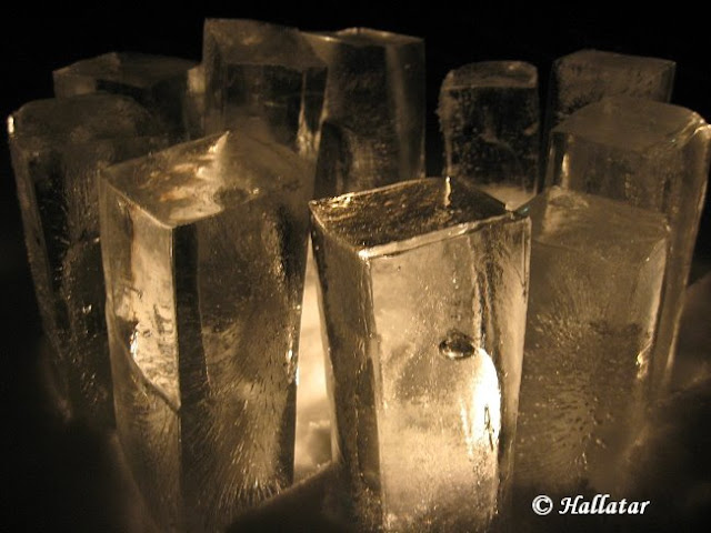 http://hallatar.blogspot.fi/2009/02/eilis-illan-tunnelmia.html
