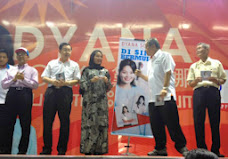 "WHO'S DYANA SOFYA! UR CHOICE 4 TELOK INTAN NEW MP !   "" PAS 4 ALL ""  VOTE DYANA!"