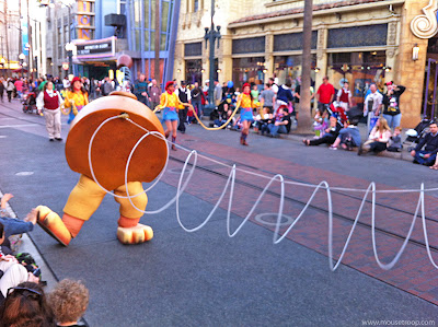 Slinky Dog Dog's hind legs rear Pixar Play Parade DCA Disney