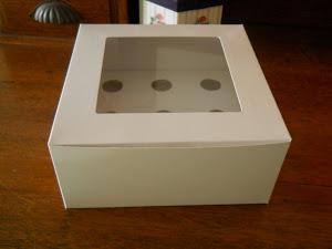 GLOSS WHITE BOX with 9 HOLDER
