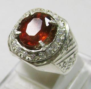 Cincin Batu Permata Rhodolite Garnet -