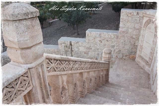 Mor Gabriel Manastırı, merdivenler