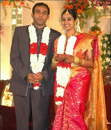 heroin soundarya family photos Laya And Husband Heroin Soundarya Family Photos