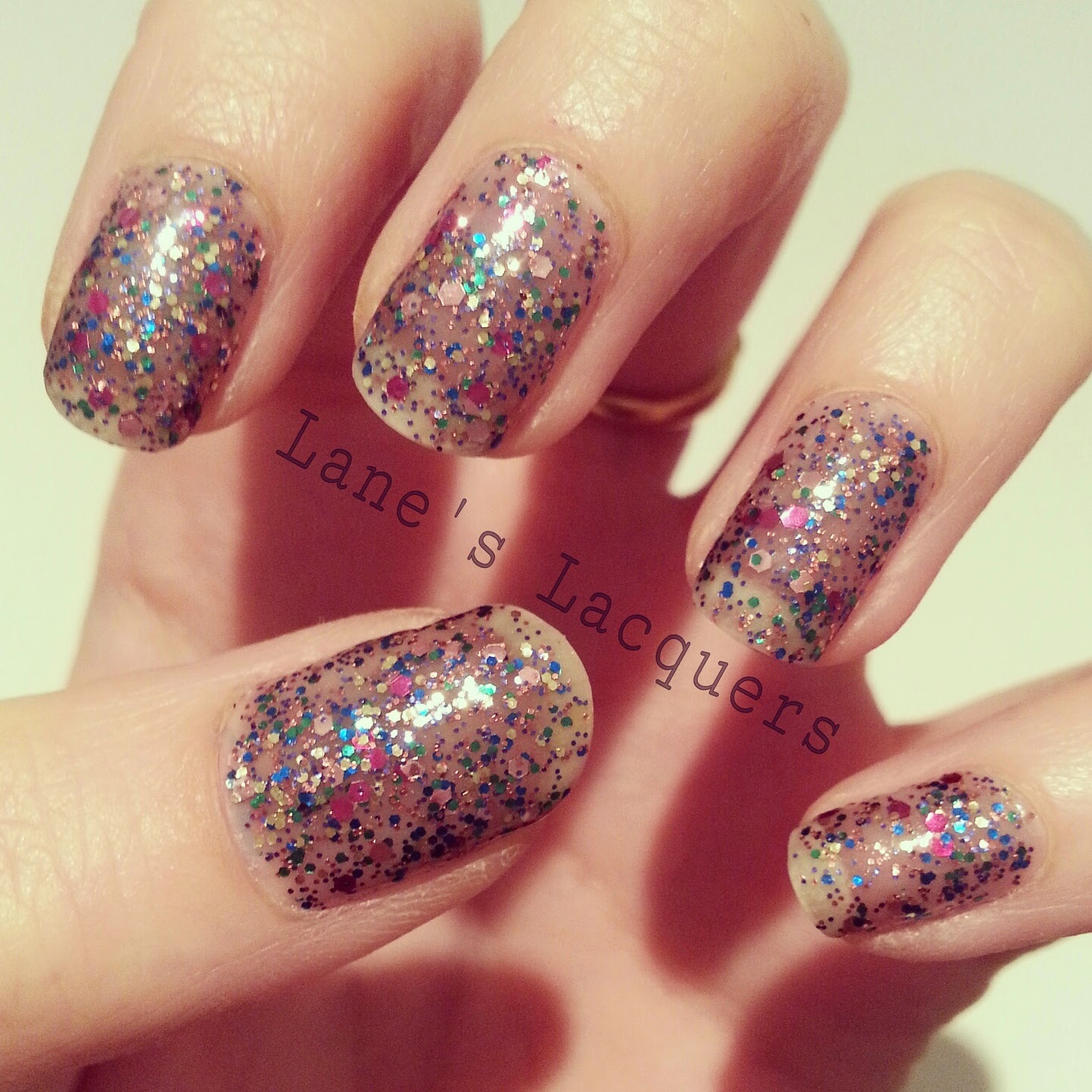 maybelline-colorshow-be-brilliant-spark-the-night-swatch-nails