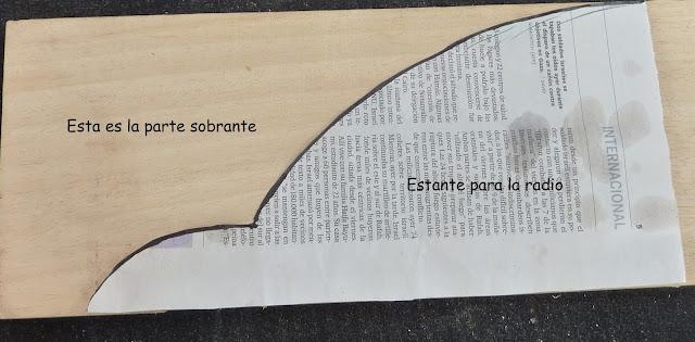 http://merrajo.blogspot.com.es/2015/11/como-hacer-un-estante-para-cacharros.html