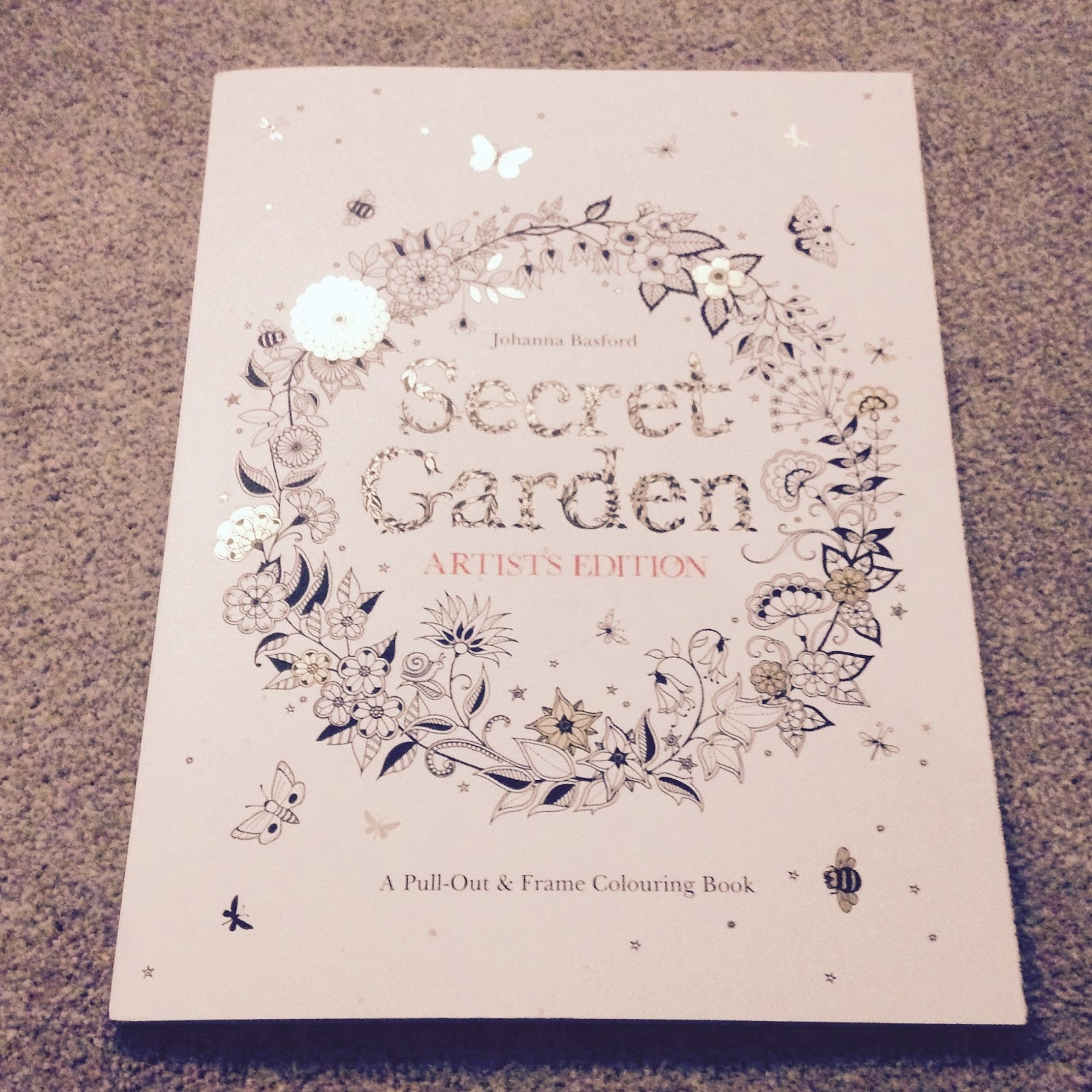 Secret garden colouring in book nz - Anyway Seeing As Reviewing This Type Of Book Isn T Really My Forte I M Going To Pepper This Post With Pictures So That The Pretty Will Distract You From My