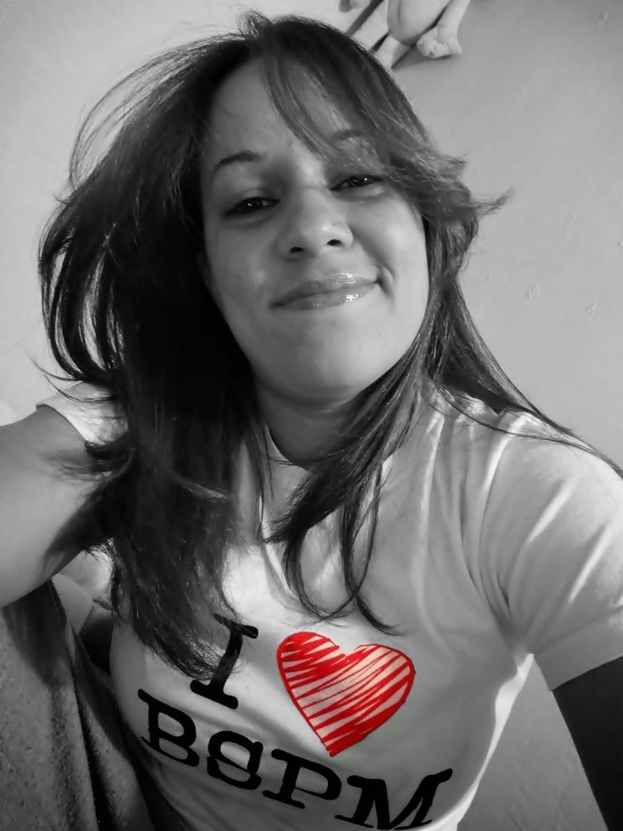 Eu moro no coração das pessoas que me amam =)