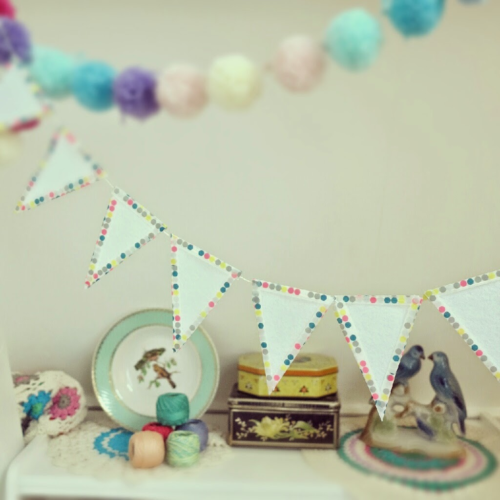 byHaafner, bunting, garland, dots, crochet, yarn