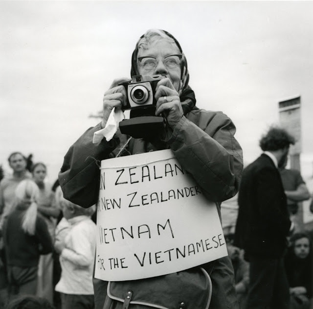 a history of the changes in the new zealand government since the early 1980s Infrastructure of europe was destroyed due to bombings, boundary changes and forced labor generated many refugees to try to return or find a new home, and the ussr and usa size/industrial strength finally overshadowed europe's proud nation states.